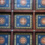 Svastica a Bali - Svastika sul cassettonato ligneo del tetto, Duomo di Reggio Calabria