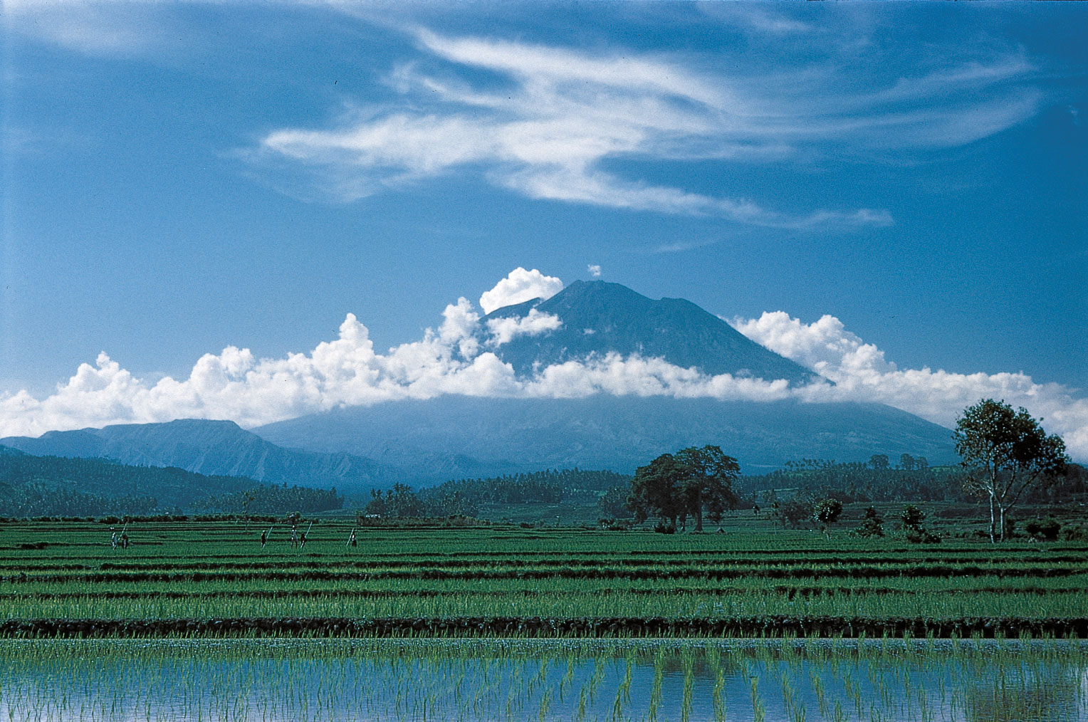 Bali, vulcani da scoprire fra trekking e spiritualità