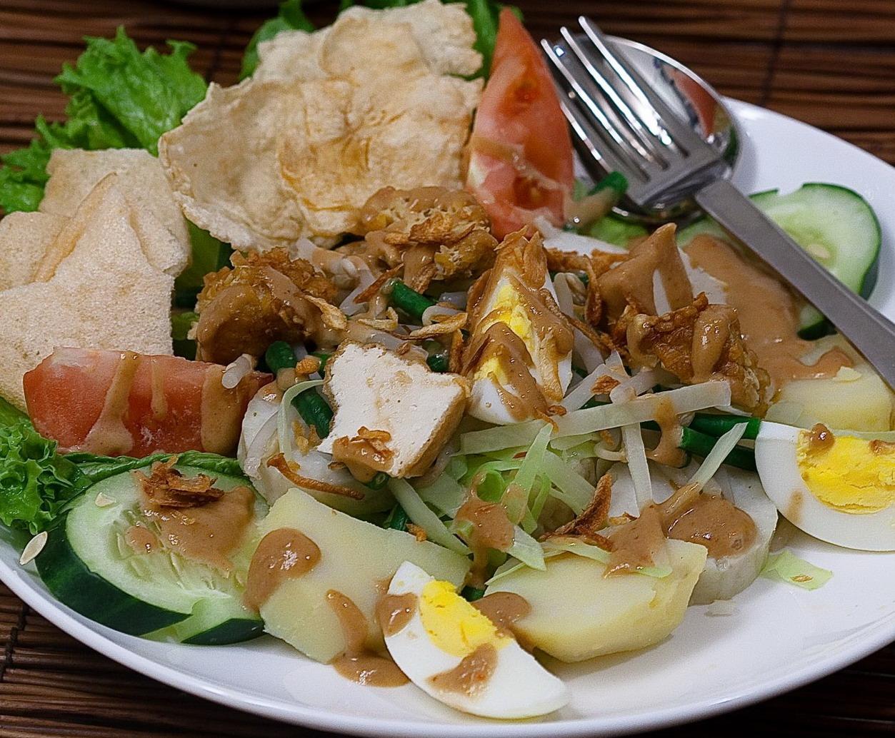 gado-gado cucina indonesiana