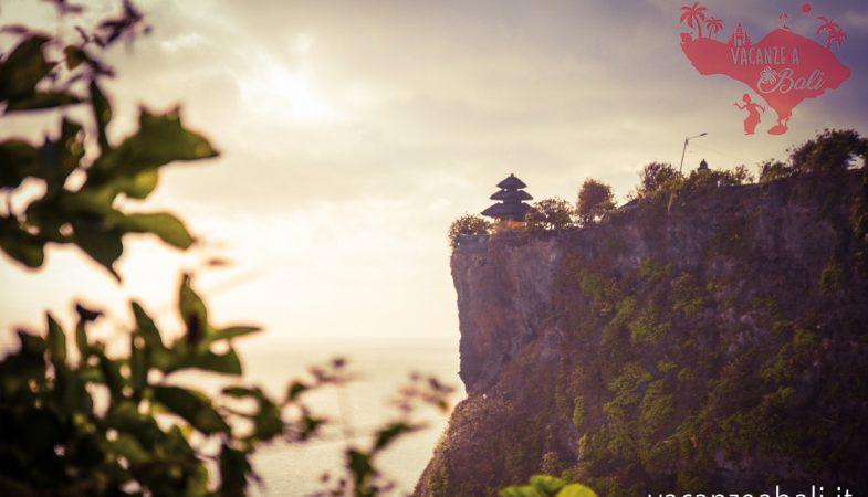 Tempio di Uluwatu, a picco sul mare