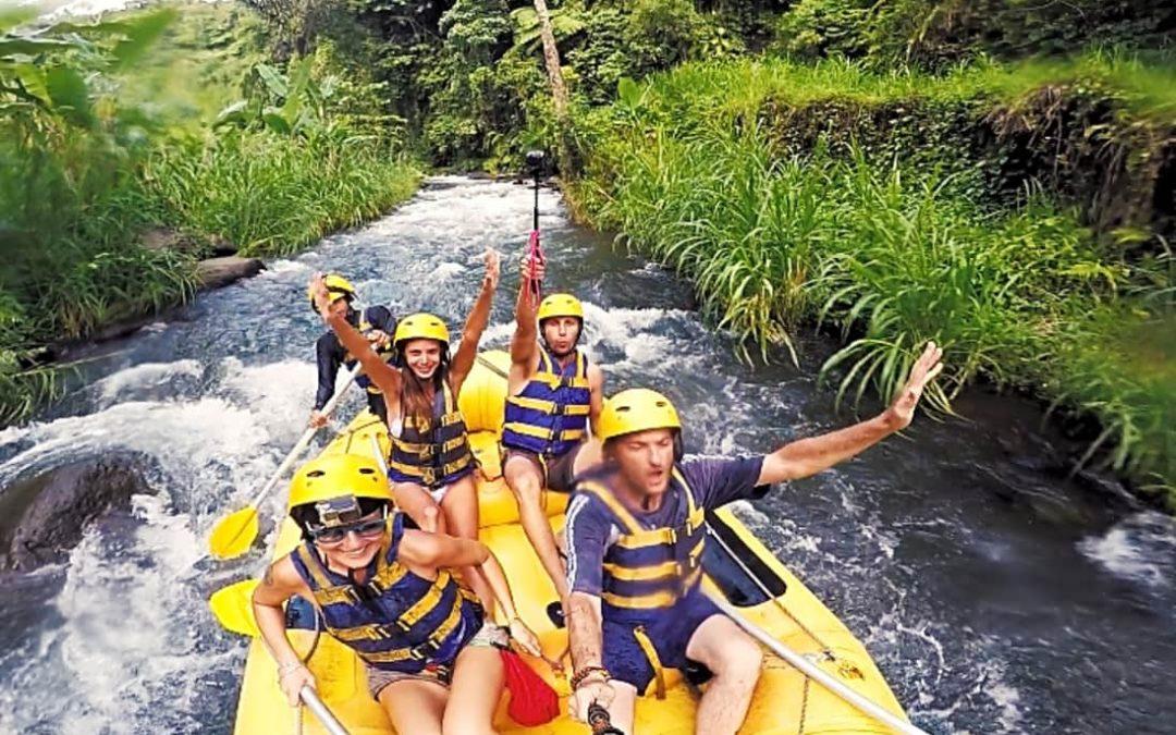 rafting a Bali