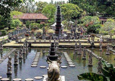 Tour di Bali est, tra templi iconici e giardini reali